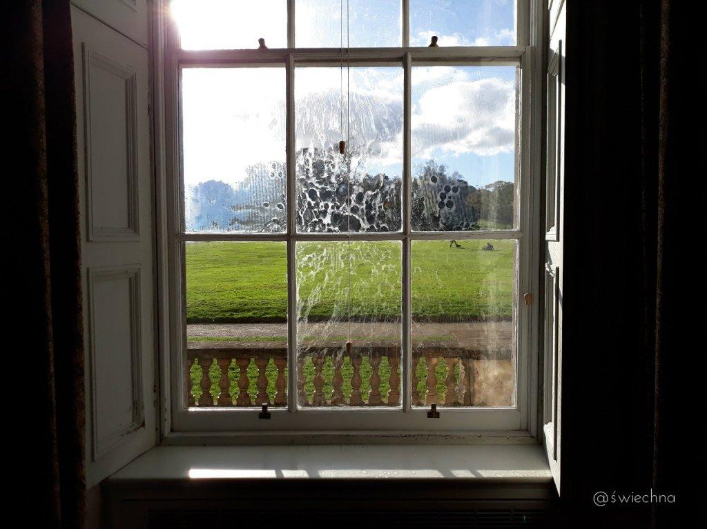 Niedziela Castle Ward wnętrza (1)